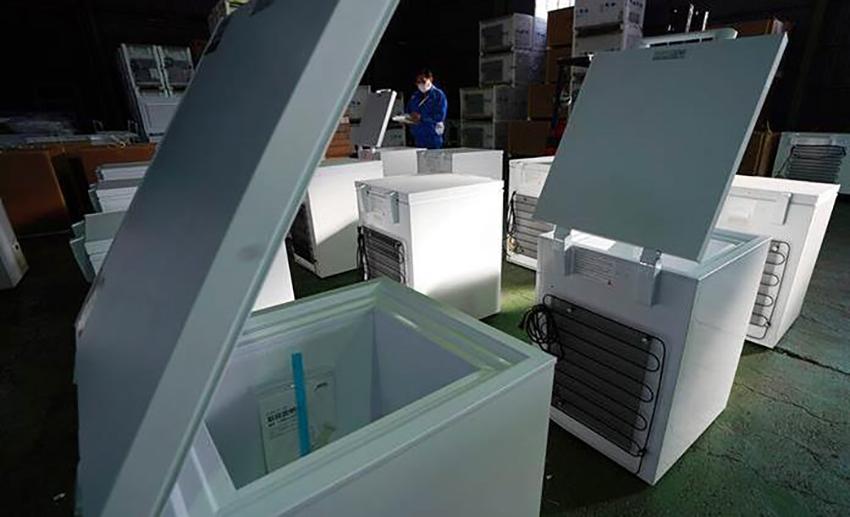 Ultracongeladores, clave para distribuir las vacunas en México